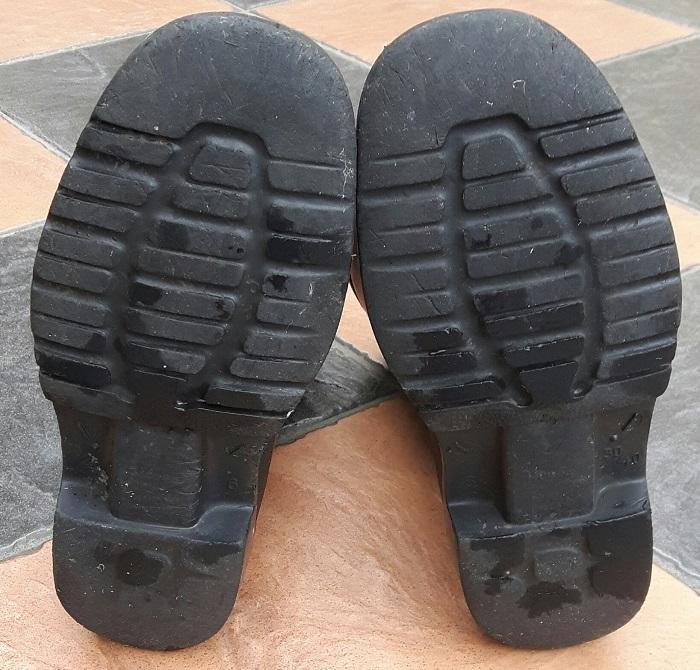 Laatste Laarzen van mijn Vader, Boer, Varkenshouder3